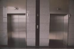 elevator-939515_1920 (1).jpg