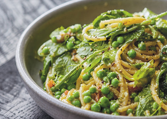 pasta-carbonara-with-English-peas-six-se