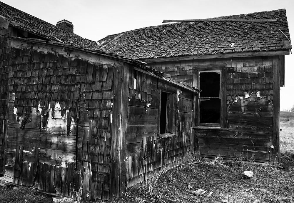 Abandoned farmhouse in central Alberta
