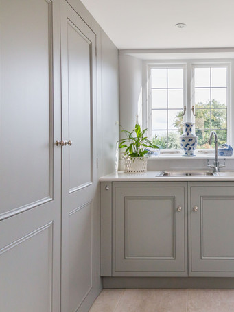 Our skilled joinery team create bespoke kitchens and cabinetry, period panelling, built in shelving and fitted furniture, always in keeping with the style and period of your property. We make the most of every corner of your home and craft each piece to our clients' individual specifications.