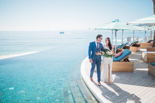 The deck above the infinity pool