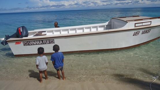 VInaka Fiji longboat