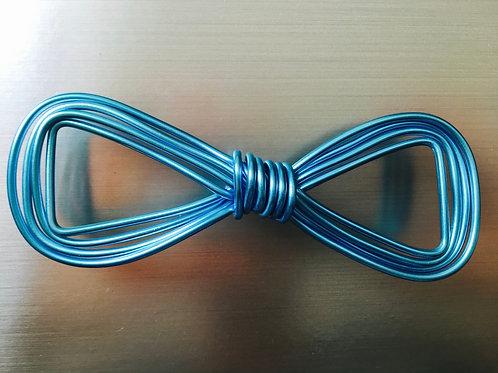 Noeud papillon courbé bleu