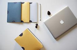 desk-3699950_1920.jpg