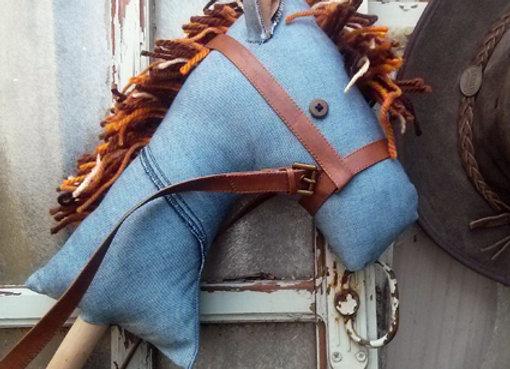 סוס על מקל