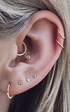 cute_minimalist_ear_piercing_ideas_carti