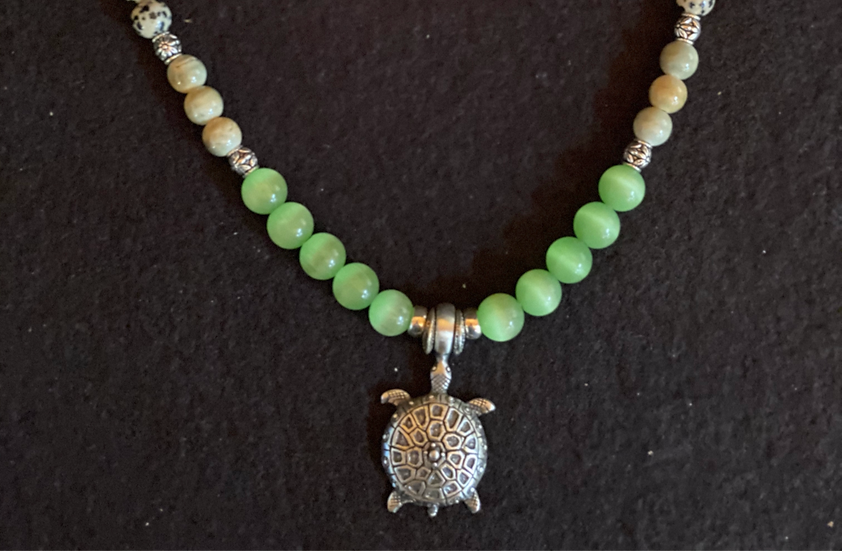 "18"" Turtle Pendant Necklace"