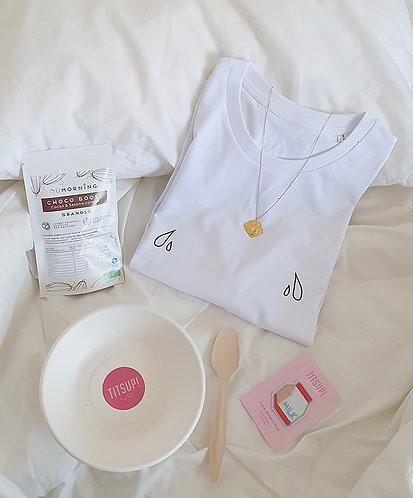 Tee-shirt, t-shirt motif, imprimé, dessin, goutte de lait, allaitement, blanc, sur les seins, la poitrine, titsup, femme