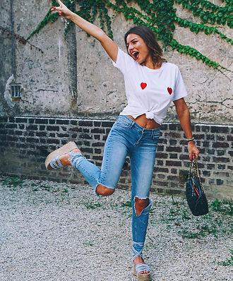 tee-shirt tisup motif, imprimé, poitrine, seins coeur rouge