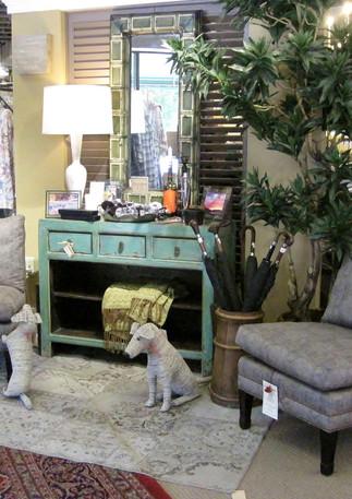 LEE 1561-01 Chairs & Vintage Tin Mirror