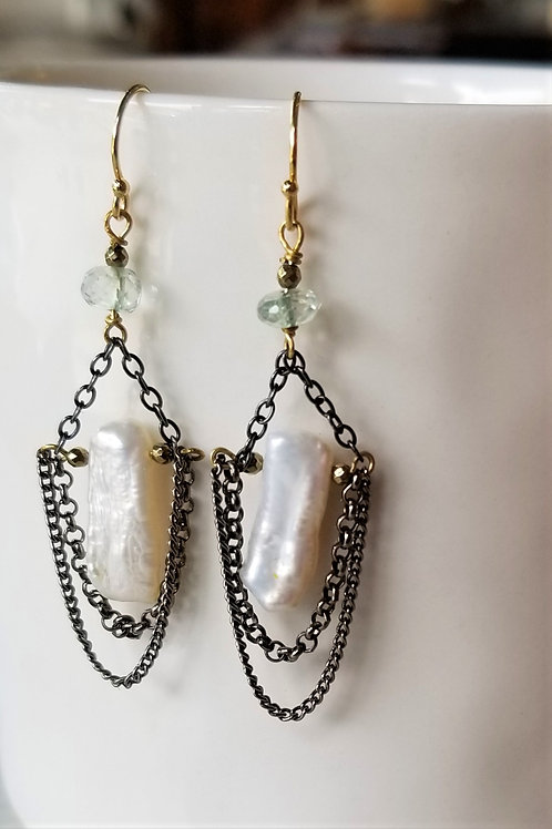 Luna Mar Pearl & Oxidized Chain Earrings