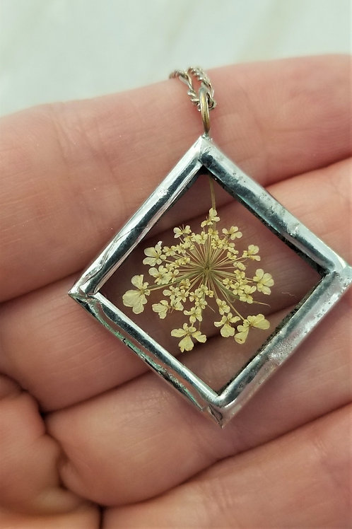 Wendy Padett Designs Small Queen Anne's Lace Necklace
