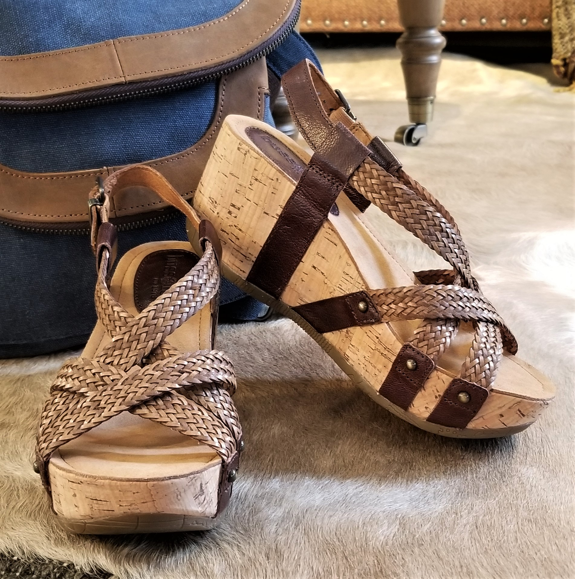 Fida in Zar Brown / Woven Brown by Bussola Style $104