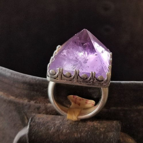 ObscurO Jewelry Amethyst Pyramid Ring
