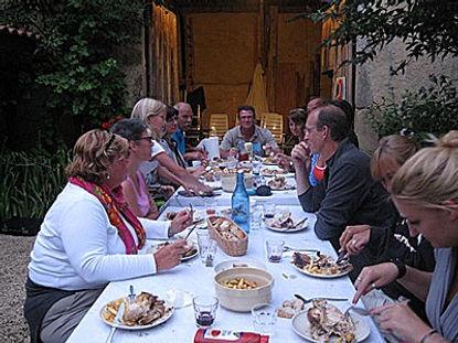 Gezamelijk eten Le Peyret Bas