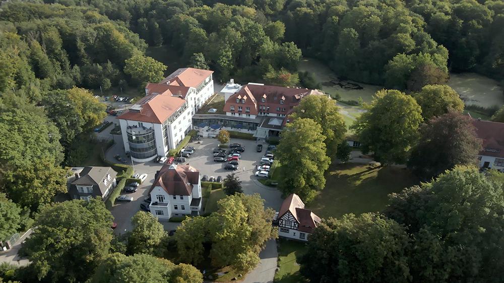 Drohnen-Aufnahme der Klinik Manhagen (Bild: Klinik Manhagen)