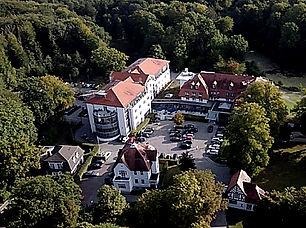 Bild 3_Klinik Manhagen Luftaufnahme.jpg