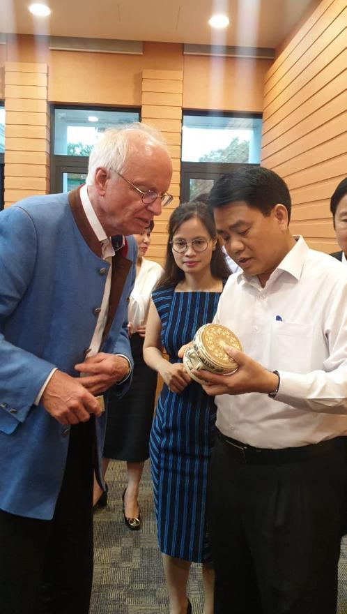 Treffen mit Mr. Nguyen Duc Chung, Chairman of Hanoi People's Committee und President of Hanoi