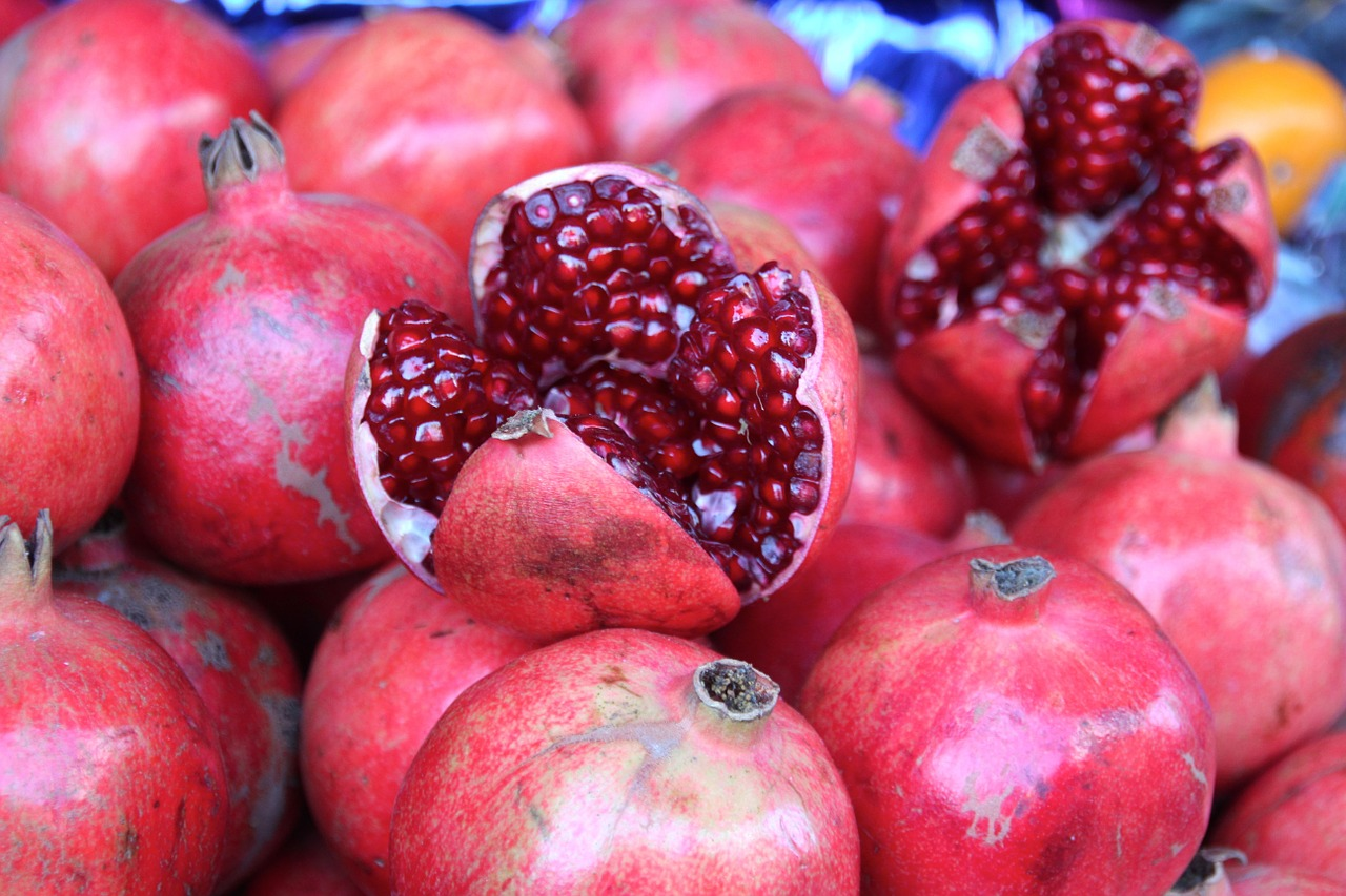 pomegranate-1028703_1280