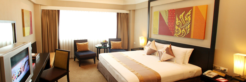 5. Deluxe Room 2 - Ramada Plaza Menam Ri