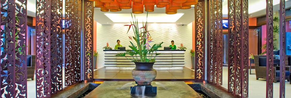 2. Lobby 2 - Wyndham Sea Pearl Resort Ph