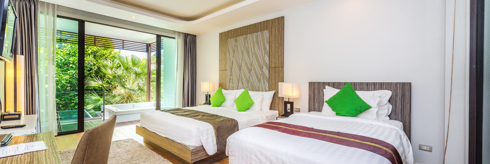 3. Deluxe Room with Jacuzzi 1 - Wyndham