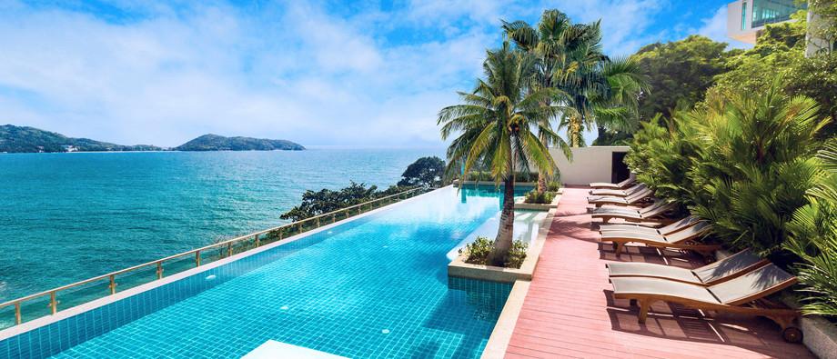 17. Pool Wyndham Grand Phuket Kalim Bay