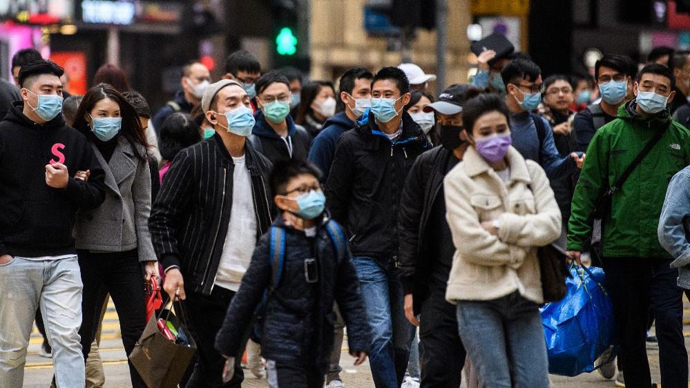 People wearing masks to avoid the viruses