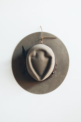 Hat 491 (Broken Arrow Series)