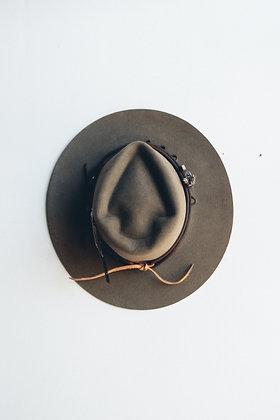 Hat 665 (Broken Arrow Series)