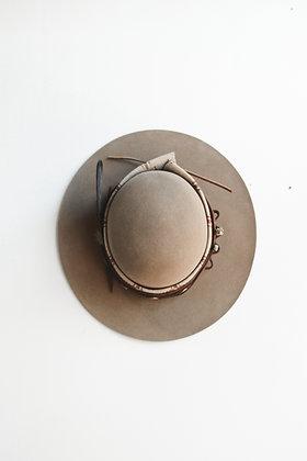 Hat 683