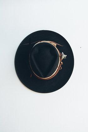 Hat 668 (Broken Arrow Series)