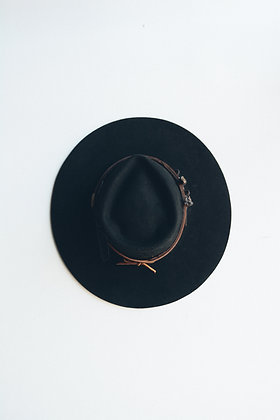 Hat 635 (Broken Arrow Series)