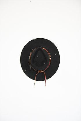 Hat 800 (Broken Arrow Series)