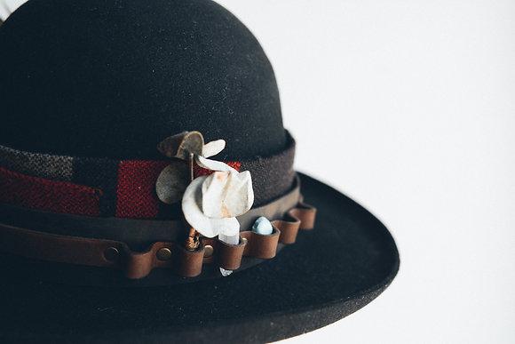 Hat 305