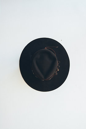 Hat 588 (Broken Arrow Series)