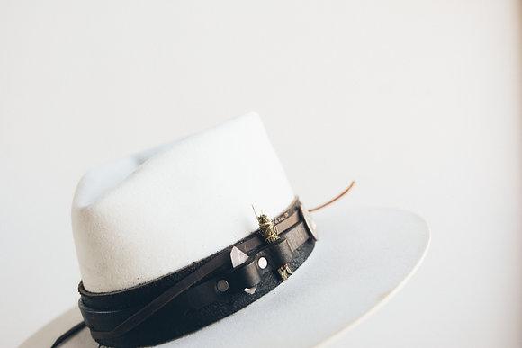 Hat 421 (Broken Arrow Series)