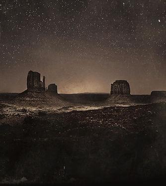 monument-valley-night-john-harris_edited
