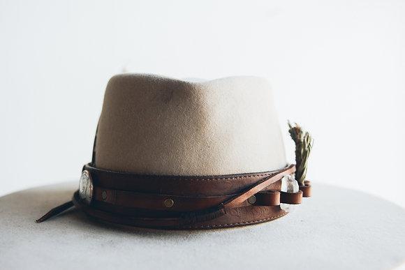 Hat 383 (Broken Arrow Series)