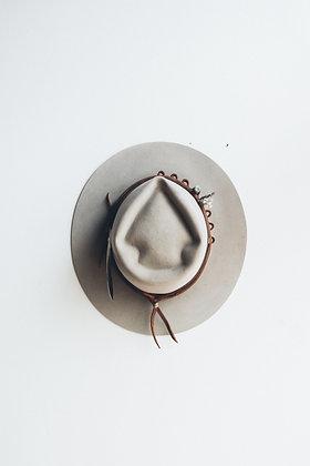 Hat 558 (Broken Arrow Series)