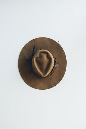 Hat 554 (Broken Arrow Series)