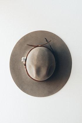 Hat 216