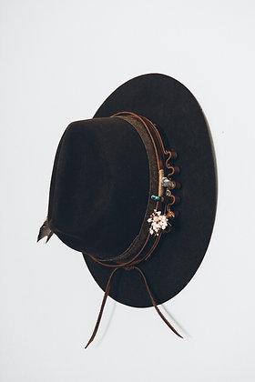 Hat 210
