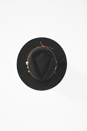 Hat 835 (Broken Arrow Series)