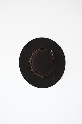 Hat 743