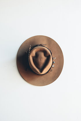 Hat 390 (Broken Arrow Series)