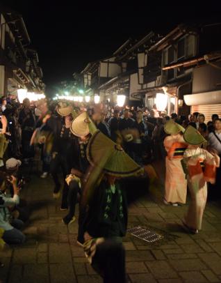 おわら風の盆_諏訪町通り001.png