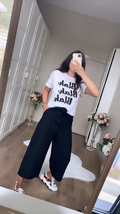 Siyah Bol Paça Kısa Pantolon