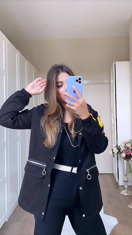 Sari Seritli Siyah Kot Ceket