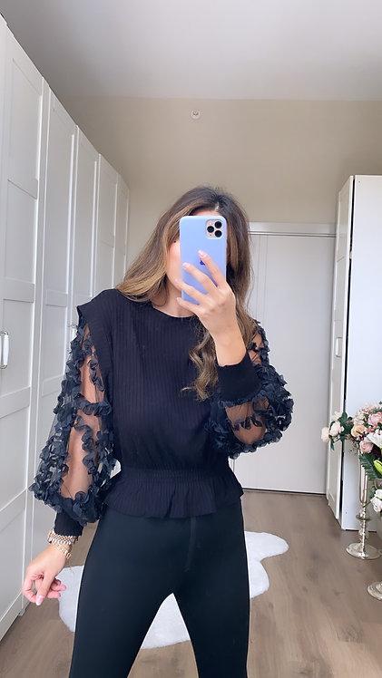 Kollari Tul detayli siyah kaskorse bluz